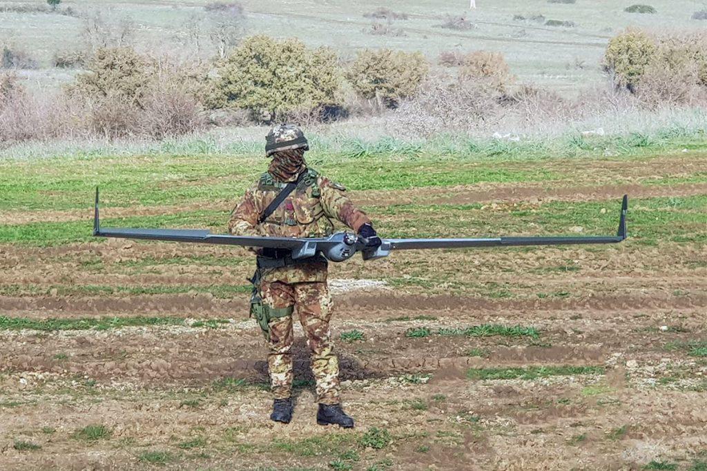 militare_con_drone