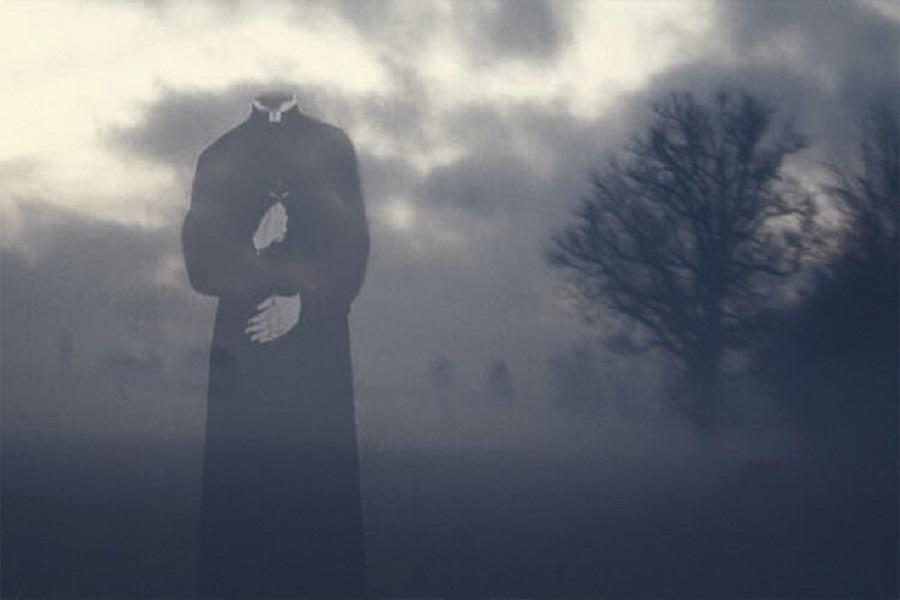 La drammatica testimonianza tramite gli occhi un sacerdote